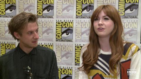 Karen Gillan, Arthur Darvill on Cosplay, Awkward Elevat...